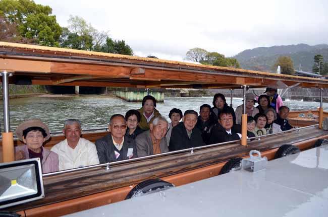 百国舟 乗船